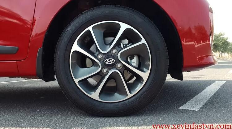 So Sánh Hyundai Grand I10 1.2 At Và Fadil 1.4L At Kiểu Dáng 7
