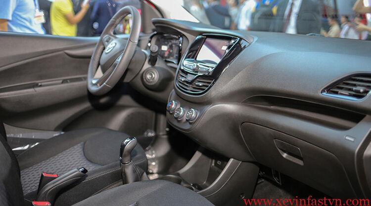 So Sánh Nội Thất Hyundai Grand I10 Và Vinfast Fadil 2